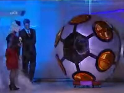 «Футбольний м'яч з волосся» і Гала-шоу ХІ Фестивалю (канал «Інтер»)